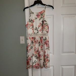 Worn once adorable juniors summer dress!